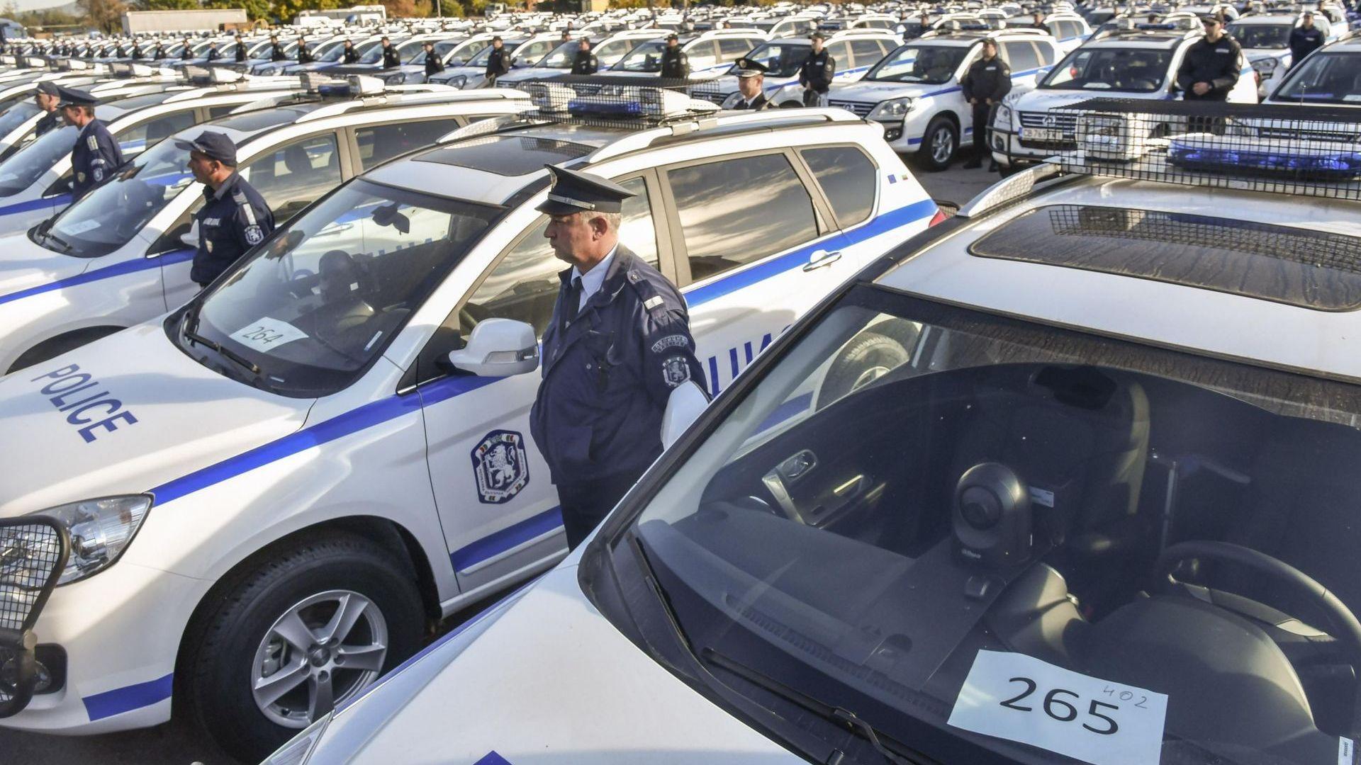 Полицията получи 341 нови автомобили (снимки)