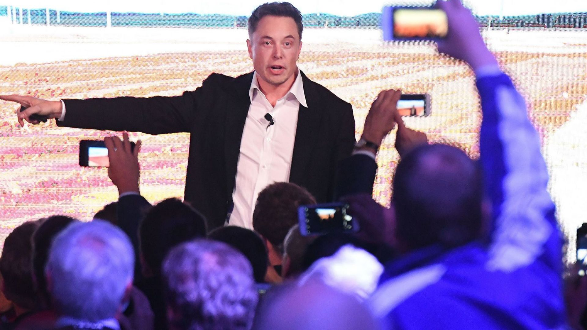 Случаят с Tesla напомня фалита на Lehman Brothers