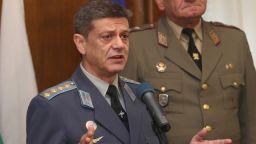 Ген. Попов за инцидента в Македония: Самолетът не е имал радар за опасно време