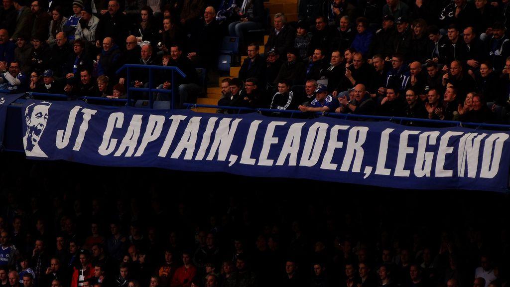 """Транспарантът """"капитан, лидер, легенда"""" още дълго време ще стои на """"Стамфорд Бридж"""""""