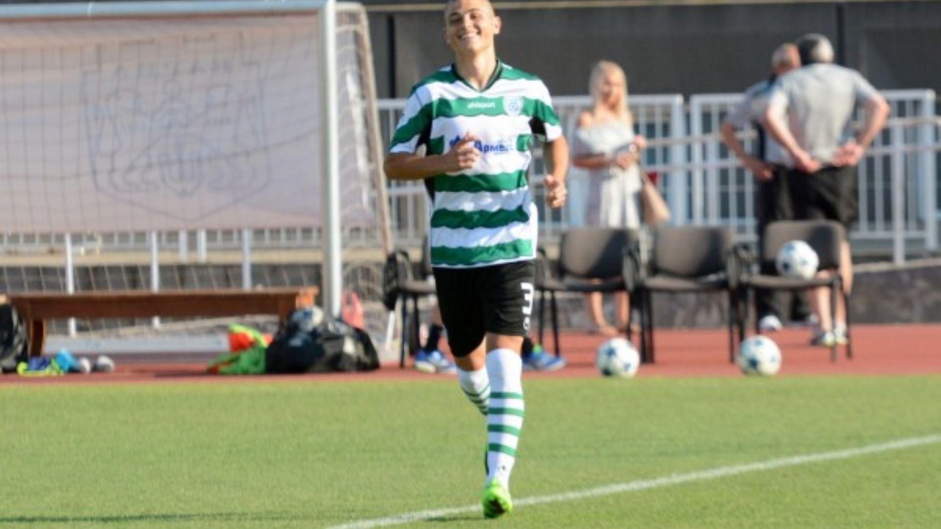 Юношески национал спря с футбола, за да учи