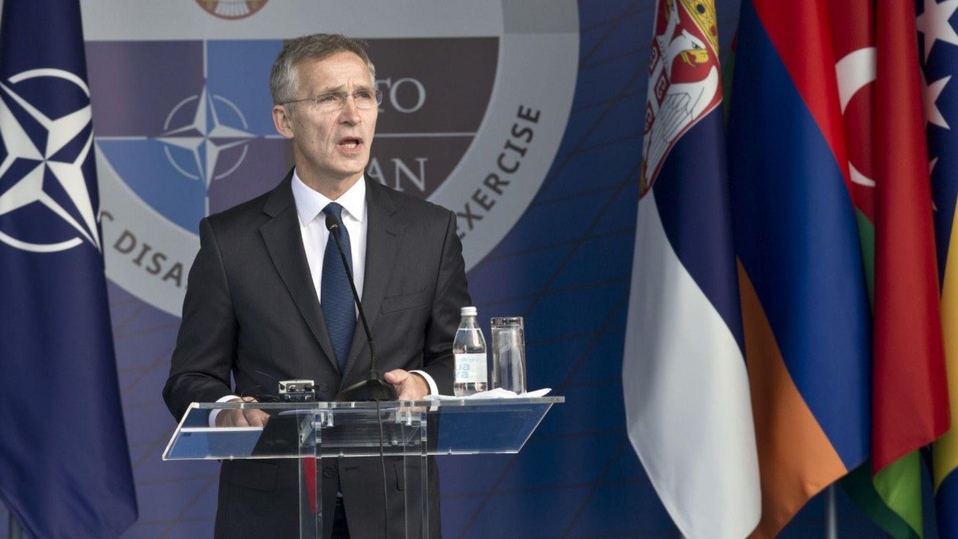 Вучич: Сърбите не обичат НАТО. Столтенберг: Съжалявам за невинните жертви