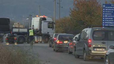 """МВР: Движението по АМ """"Тракия"""" край Ихтиман пак е спряно, използва се обходен маршрут (обновена)"""