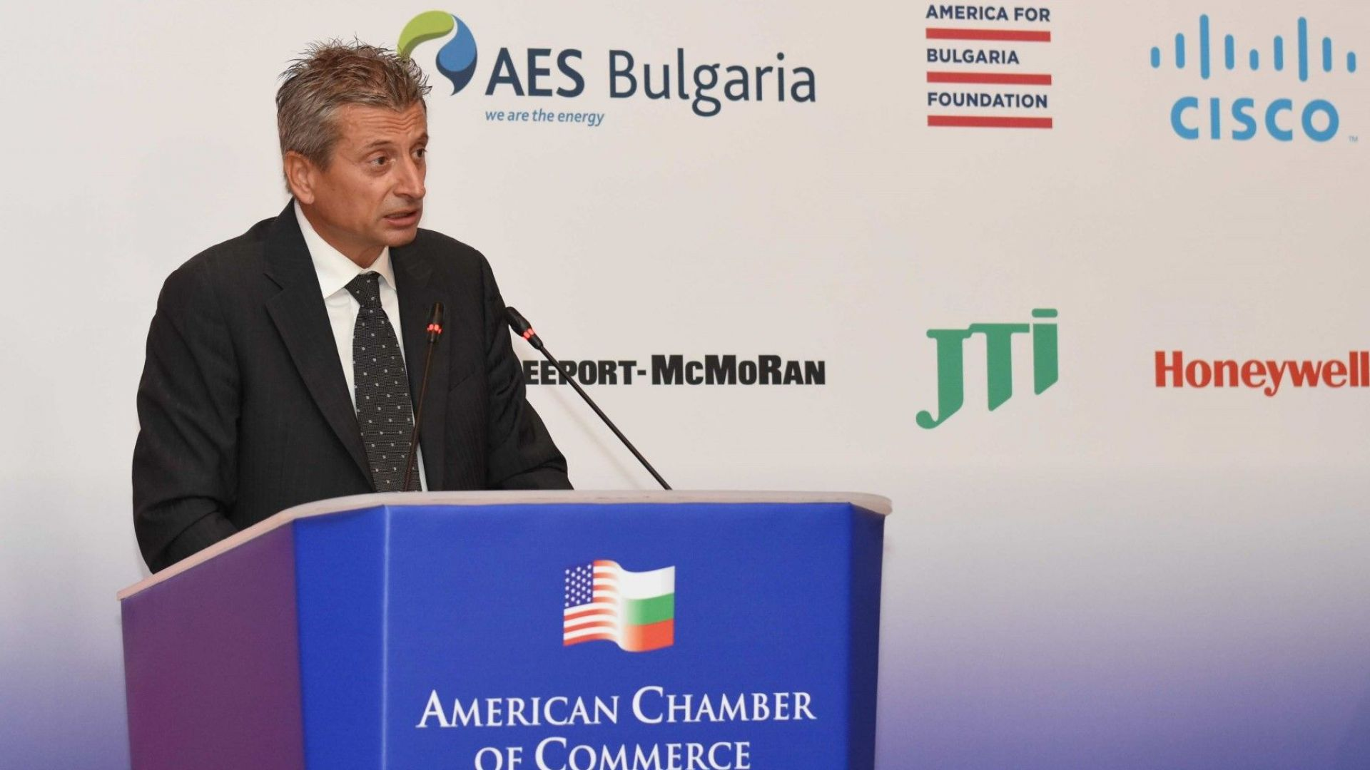 Статистиката подценила  2,5 пъти US инвестициите в България