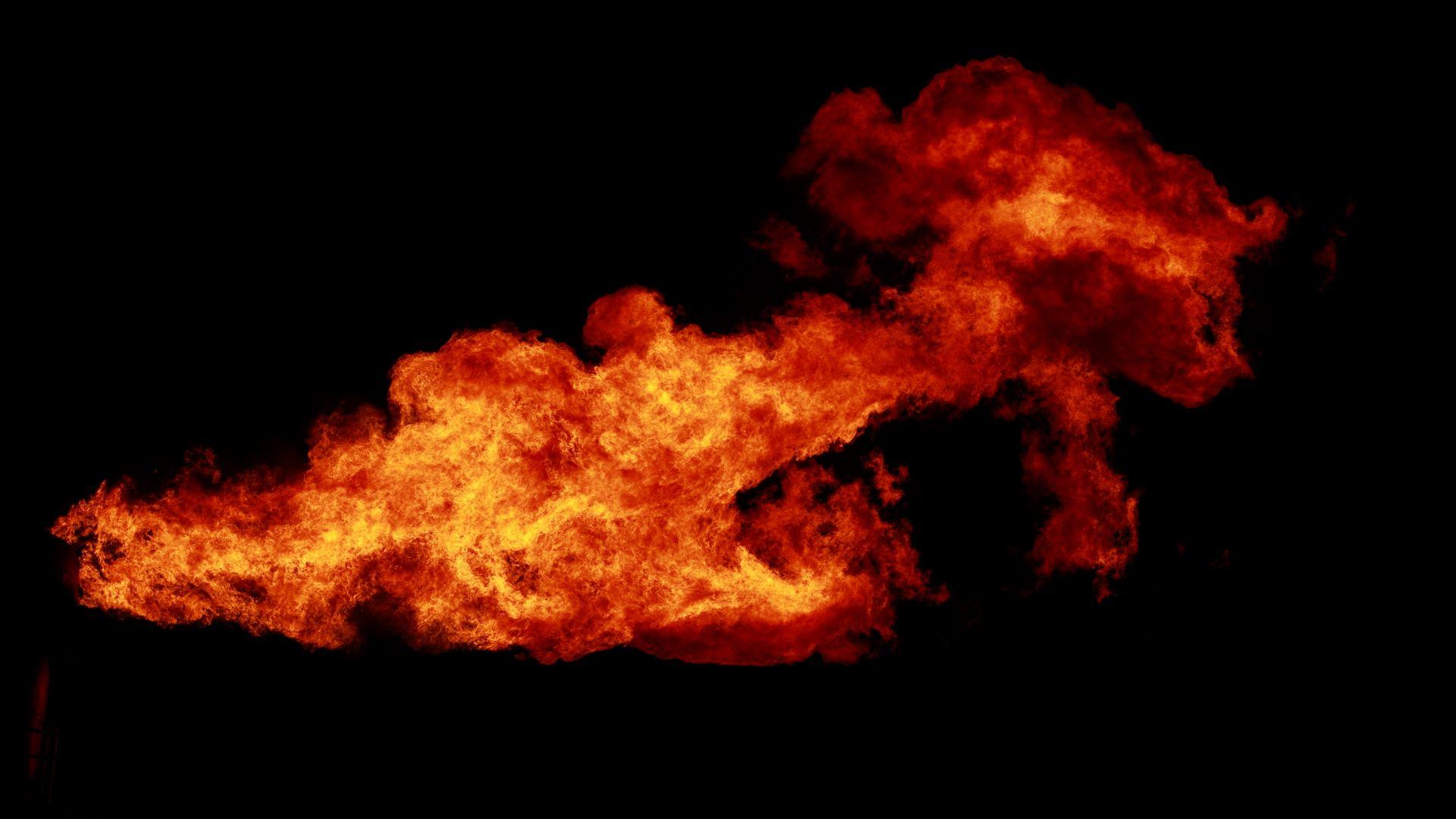 Осем души са ранени при взрив в петролна рафинерия в Босна и Херцеговина