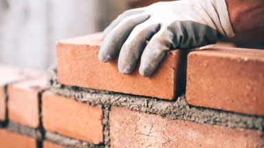 НАП проверявя строителите в Пловдив - има ли договори и осигуровки