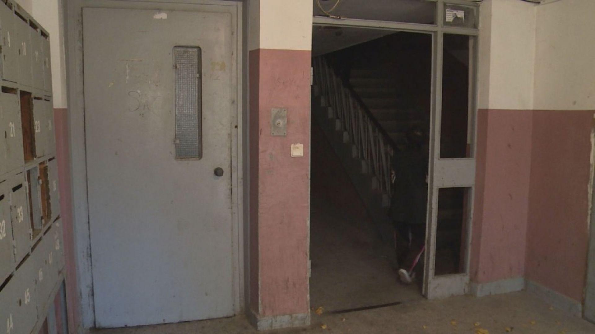 Възрастен мъж пропадна в асансьорна шахта и загина
