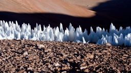 Европа е покрита с огромни ледени шипове