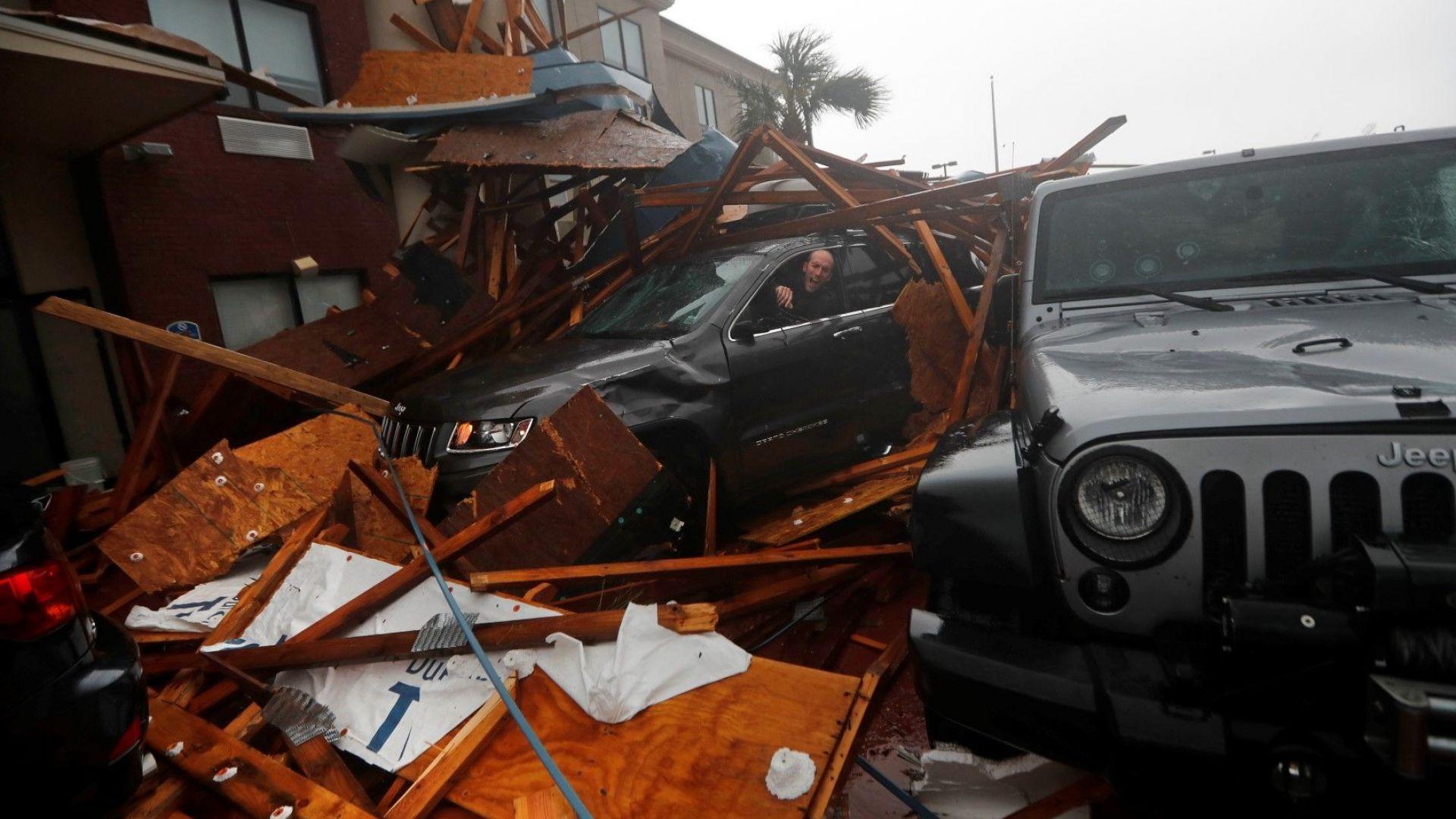 Ураганът Майкъл удари Флорида