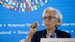 МВФ: Роботизацията ще засегне 11% от работните места на жените
