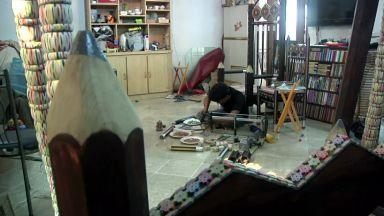 30 хиляди молива се превръщат в уникална люлка-стол