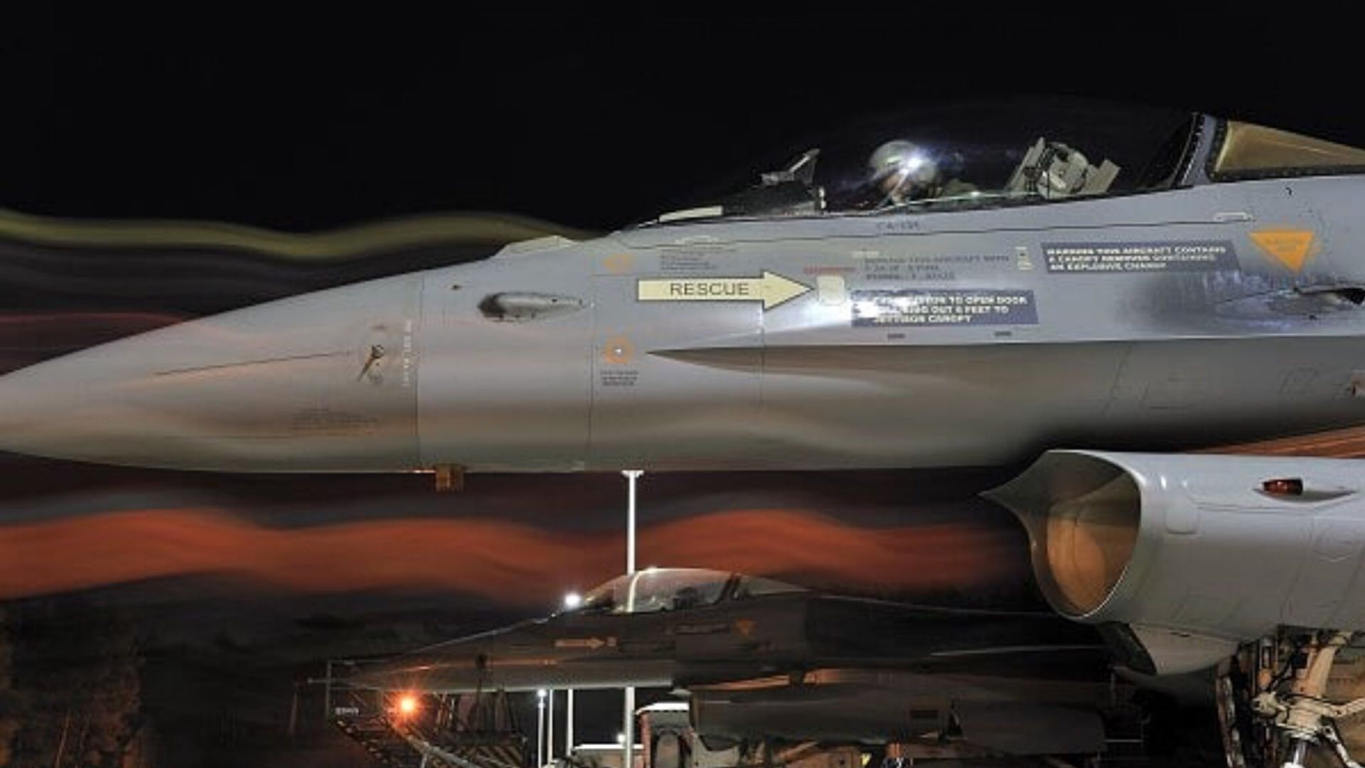 Два изтребителя Ф-16 изгоряха във военновъздушна база в Белгия