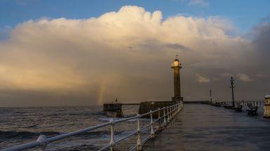 """Бурята """"Калъм"""" атакува Британските острови"""