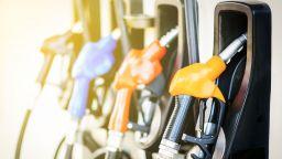 Идва ли по-евтин бензин - НС одобри изграждането на държавни бензиностанции