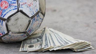 Хванаха футболист в Швеция да урежда мачове