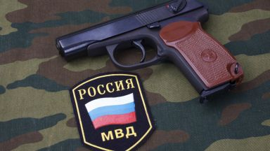 """Армията и полицията в Русия пращат пистолета """"Макаров"""" в историята"""