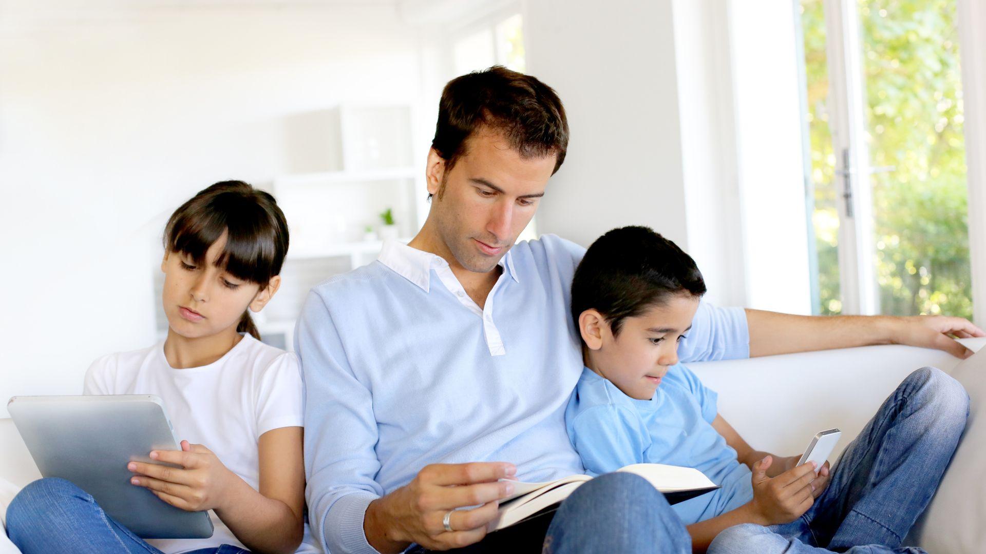 10 стъпки за справяне с пристрастяването на детето към електронните устройства