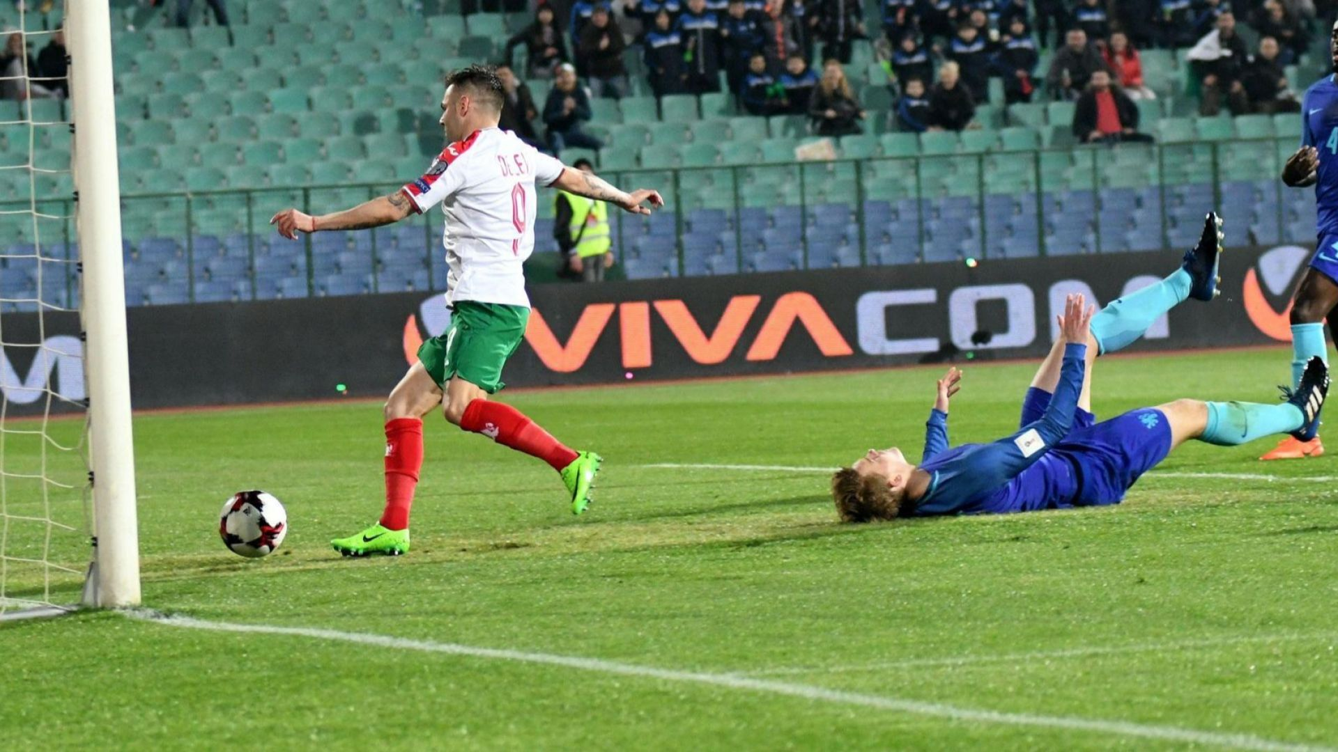 ФИФА извади от футбола звездата на българската атака