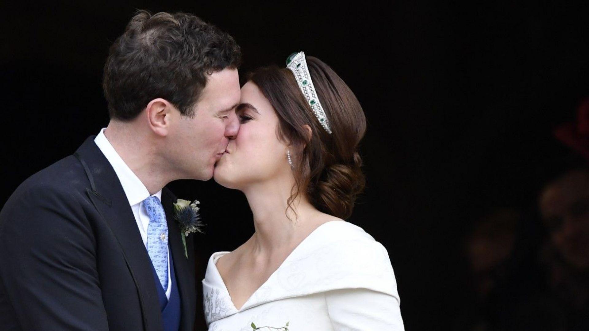 Принцеса Юджени целунала много по-интимно от Кейт и Меган