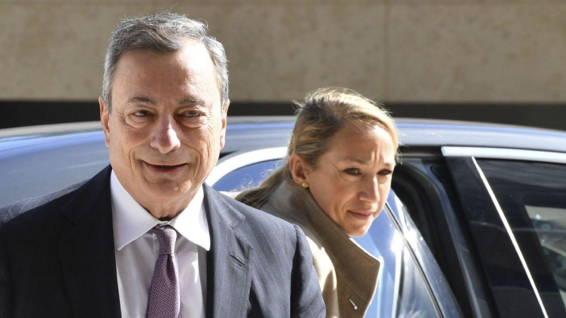 Драги: Италианският кабинет да не говори за излизане от еврозоната