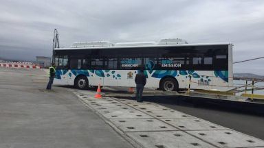 Пристигнаха първите 20 електробуса за София