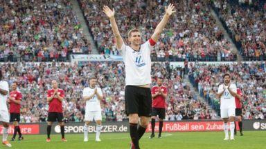 Световен шампион се сбогува с футбола в шоу с 19 гола