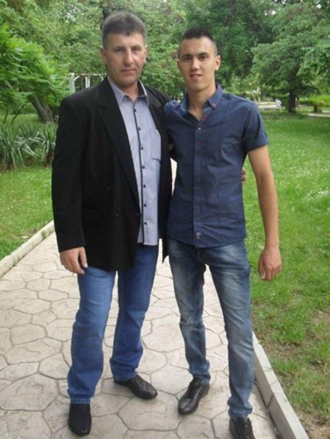 Янко Енев със сина си