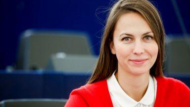 Ева Майдел : 72% от европейците се страхуват от роботизацията