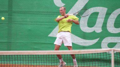 Изхвърлиха украински близнаци от тениса
