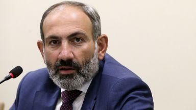 Арменският премиер подаде оставка, за да предизвика предсрочни избори