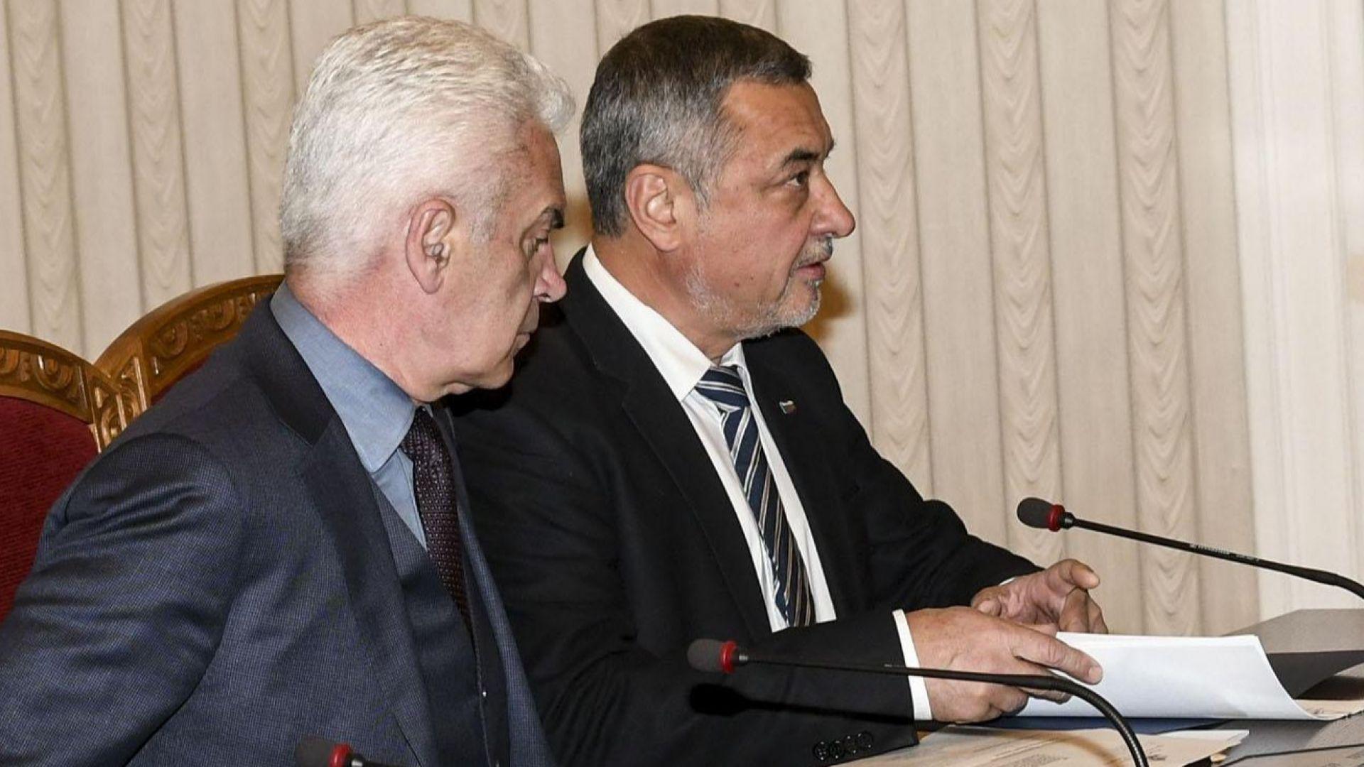 Словесните престрелки между Волен Сидеров и Валери Симеонов ескалираха в
