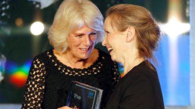 """Ана Бърнс взе наградата """"Ман Букър"""" за оригиналния """"Milkman"""""""