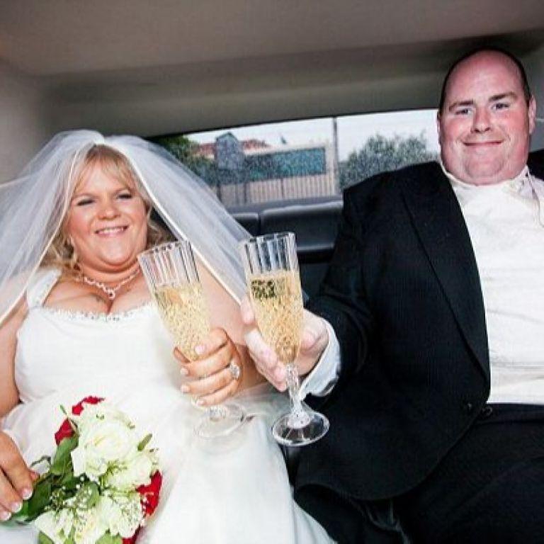 Те се зарамиха от сватбените си снимки и свалиха 135 кг