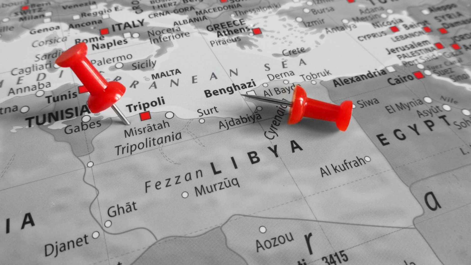 Русия праща все повече банкноти в Либия