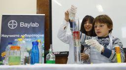 Научната лаборатория на Байер посрещa близо 1000 ученици в София