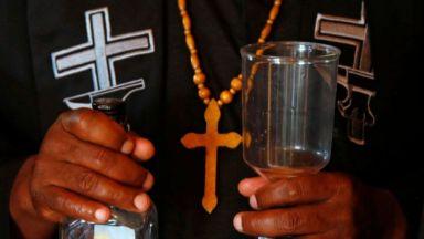 Отвори врати църква за пияници