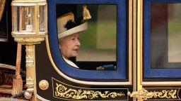Етикетът в Бъкингам: С какво да внимават Радеви на срещата с Елизабет II