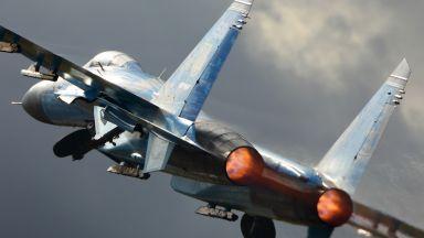 Украински Су-27 се разби при кацане, пилотът загина