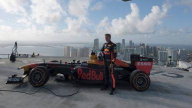 Британска легенда се развихри на покрив в Маями (Видео)