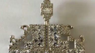Какво подари президентската двойка на Елизабет II