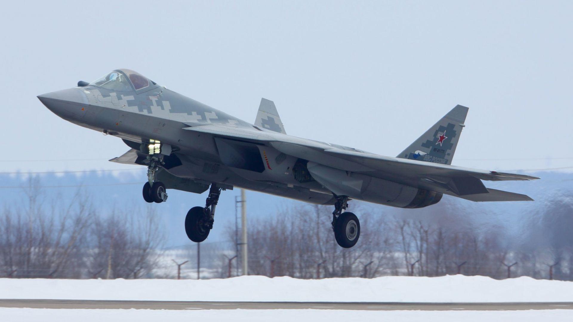 Москва пусна уникални кадри от полет на новия Су-57 над Сирия (видео)