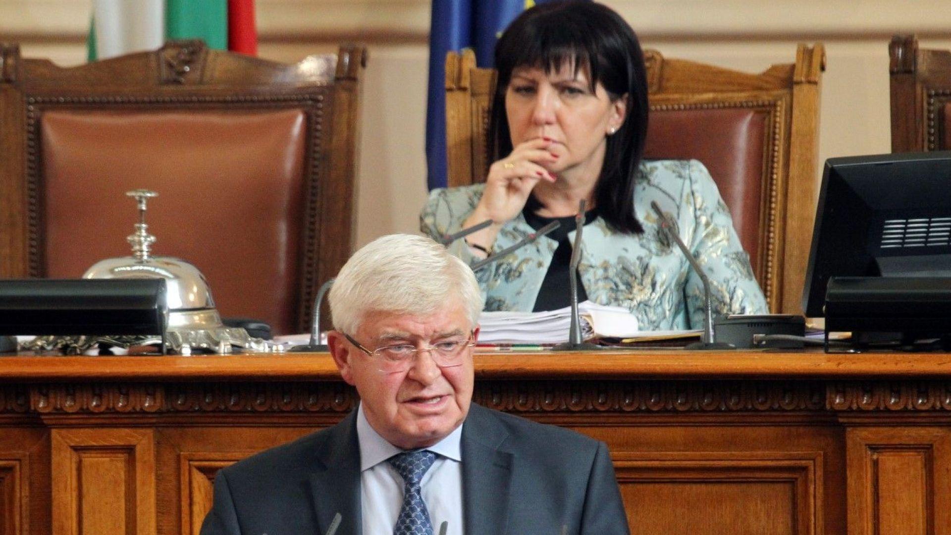 """Ананиев: Няма """"здрав"""" вот на недоверие с болни аргументи. Гласуването ще е на 24 октомври"""