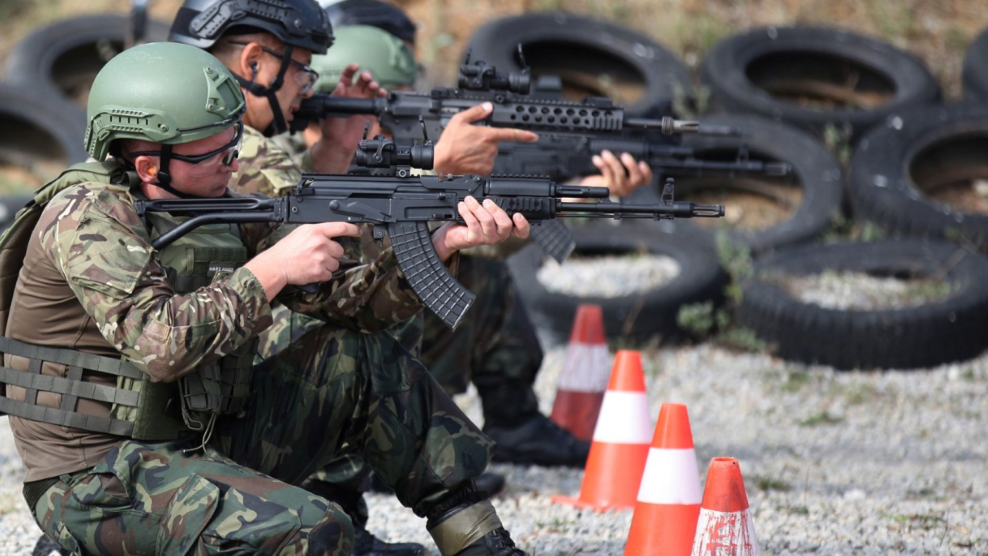 Убеден съм, че Българската армия ще продължава да съществува, защото