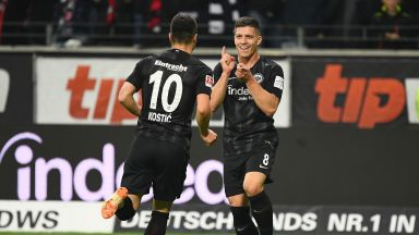 Сръбско шоу в Бундеслигата, дете-чудо наниза 5 гола