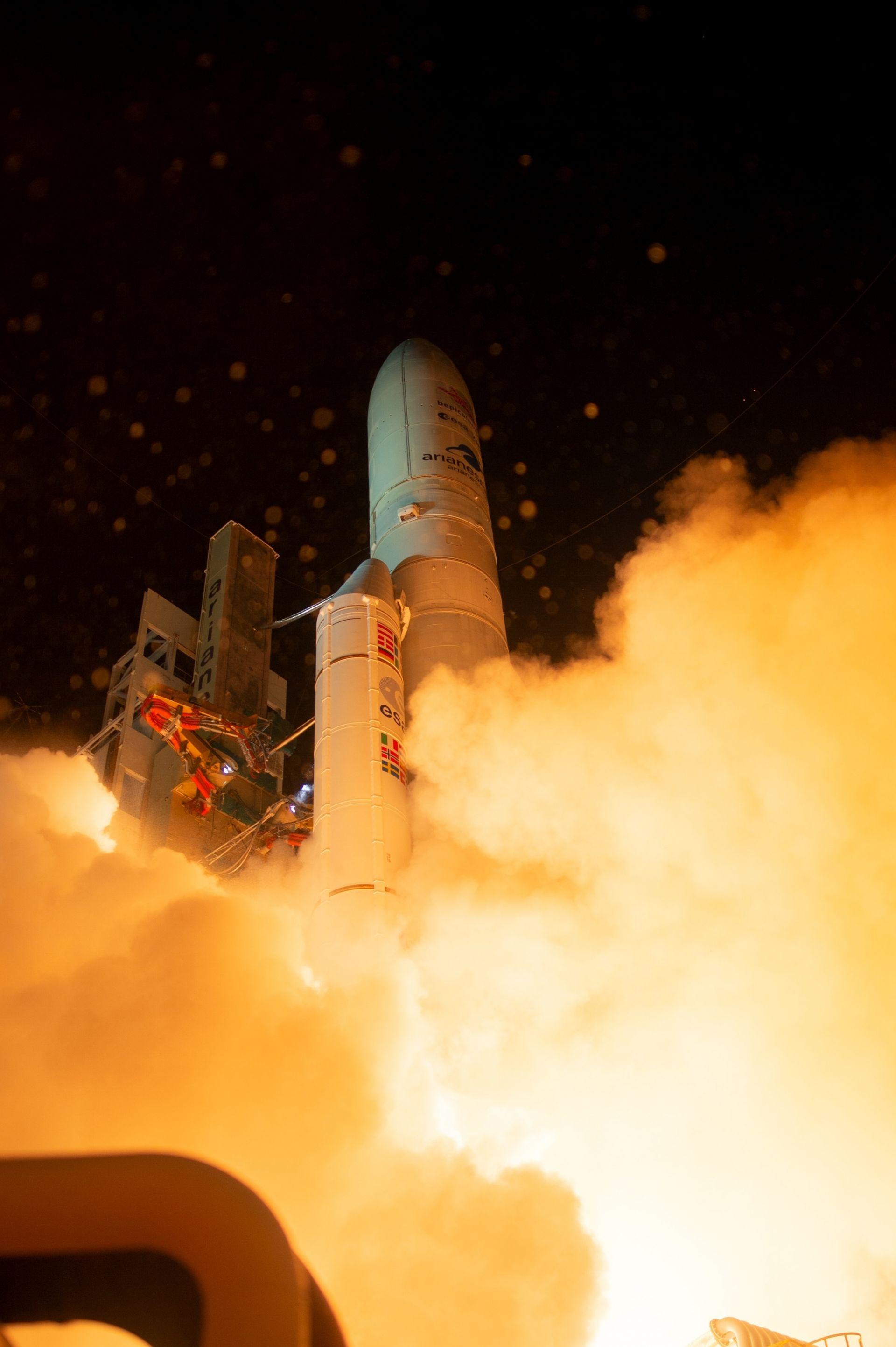 Изстрелването от космодрума в Куру, Френска Гвиана, протече гладко и според очакванията