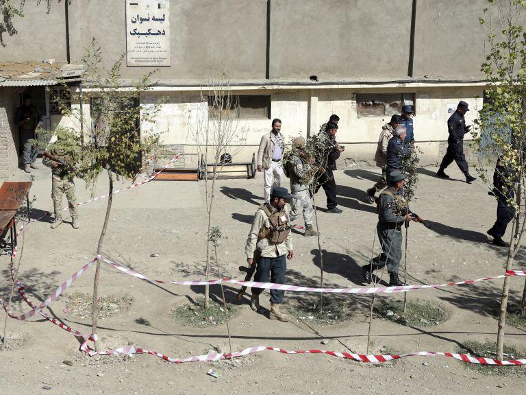Кървави атентати на парламентарните избори в Афганистан