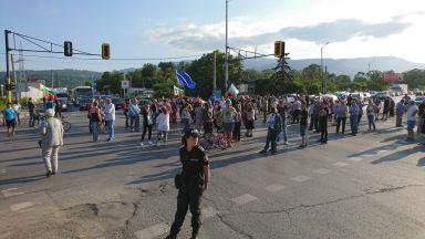 Бунт на три квартала блокира входни артерии на София в неделя