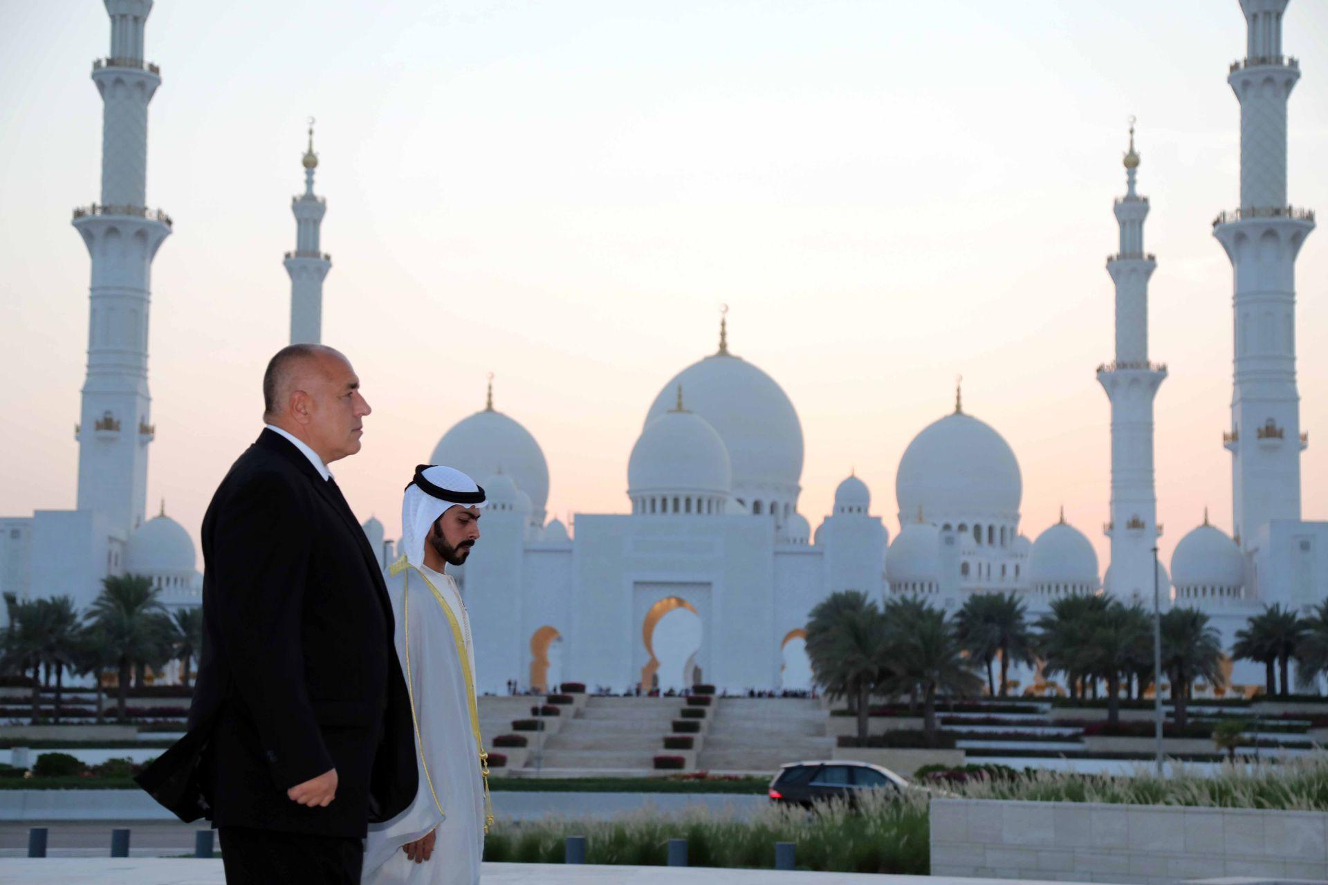"""Бойко Борисов посети паметника """"Зайед"""" - монументална, триизмерна творба, която е открита в началото на тази година по случай 100 години от рождението на шейх Зайед бин Султан Ал-Нахаян"""