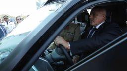 Борисов подкара полицейска кола в Дубай (видео)