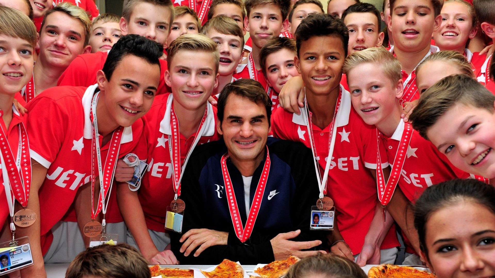 Защо Роджър Федерер винаги играе пред родната си публика?